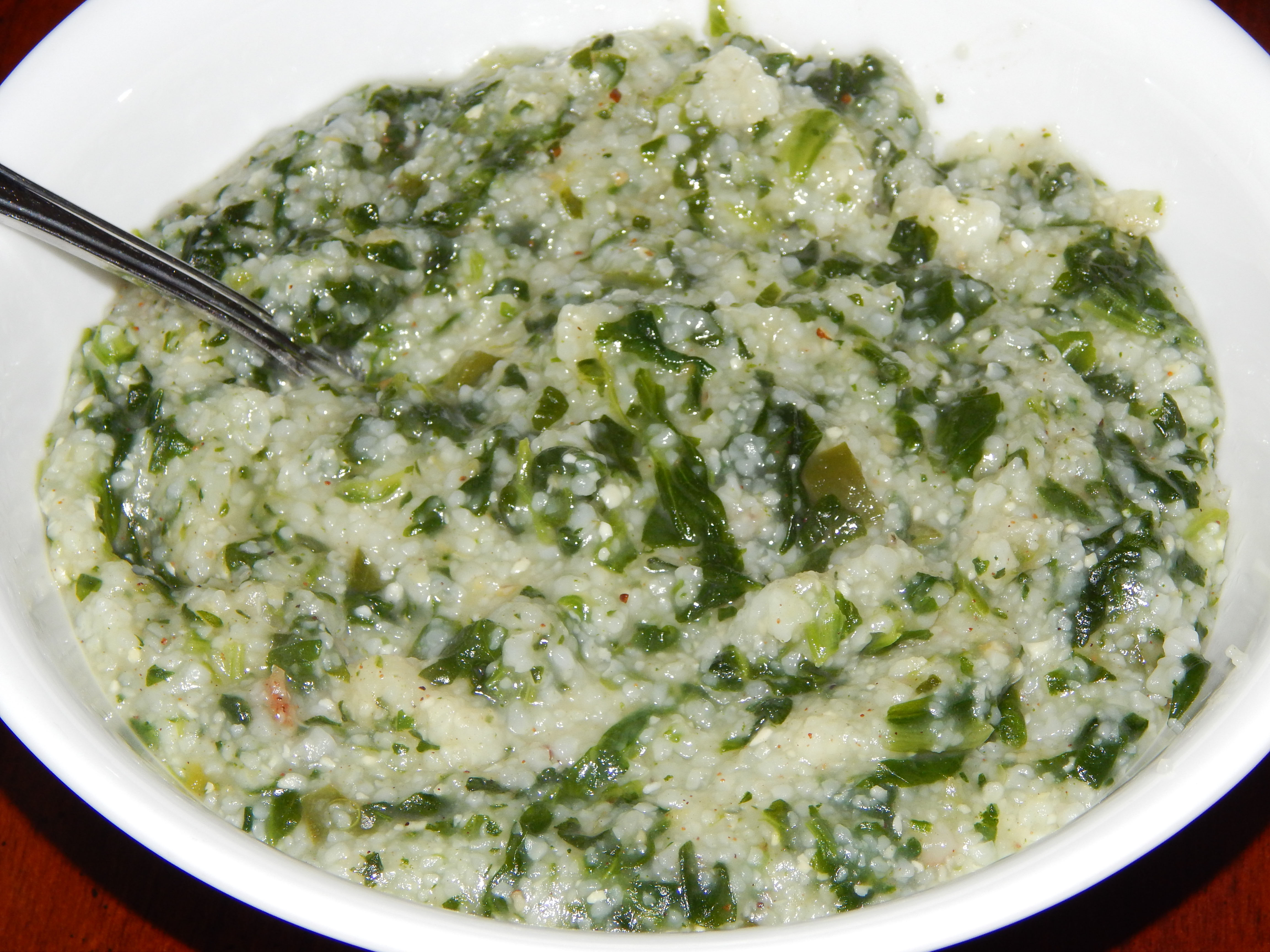 Green Grits (Grits with Spinach)