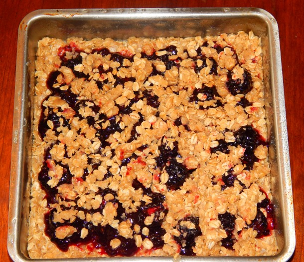 Blackberry Crumble in Pan
