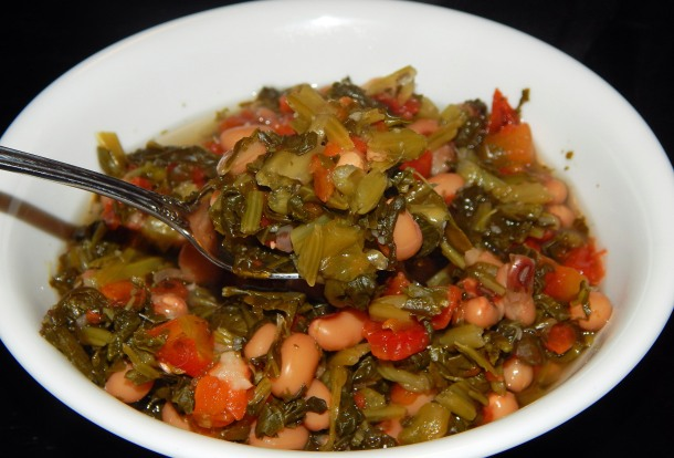 Black eyed peas and collard greens stew