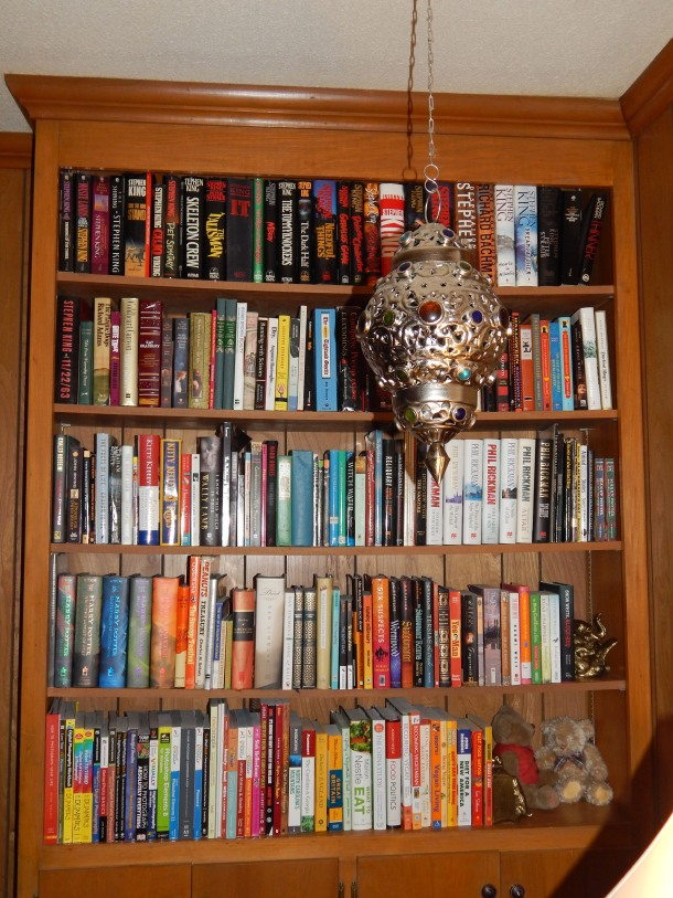 I admit it, I'm a Bibliophile. Its not an addiction. I can quit any time I want. I just never, ever want to.