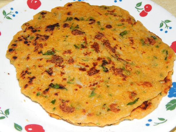Maki Ki Roti with Mooli (Indian Cornbread with Radish)