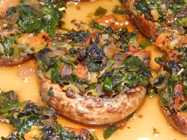 baked-stuffed-mushroom-close-up