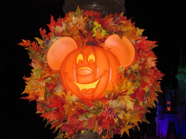 mickey-pumpkin-head