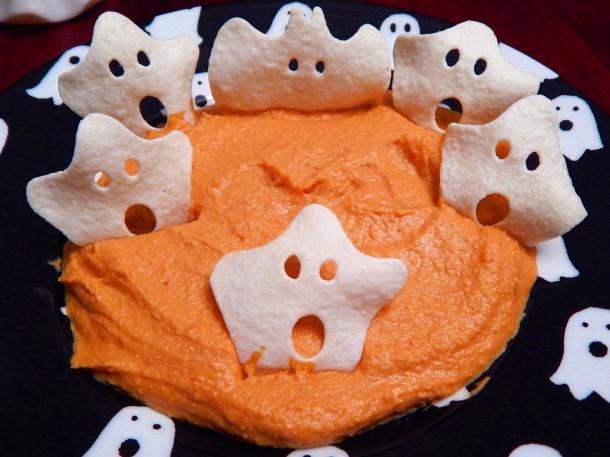 cheezy-chipotle-hummus-2