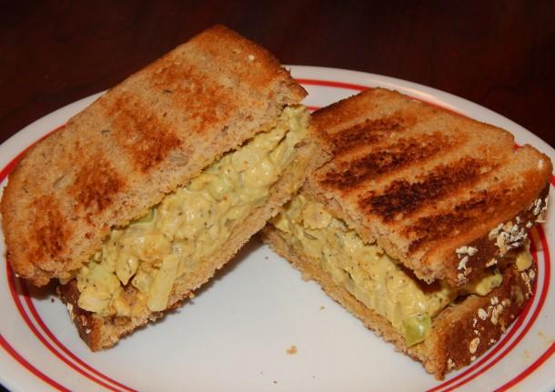 curried-tempeh-salad-sandwich
