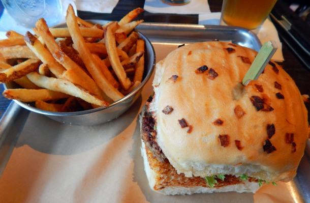 Impossible Burger Duckworth Onion Bun